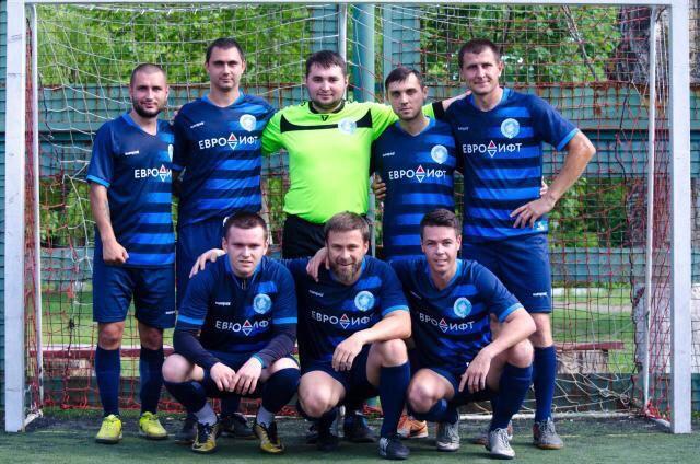 Евро лифт - футбольная команда